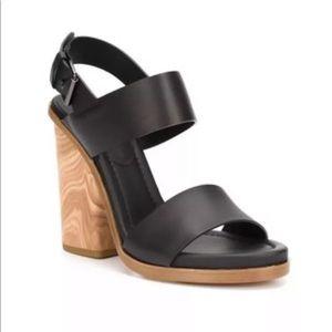 $395 NEW VINCE Haley black sandal 7